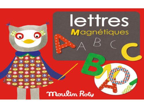Set litere magnetice din lemn