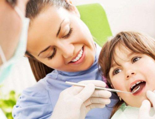Cand incepem sa Spalam Dintii Copiilor? Cu sau fara Pasta de Dinti