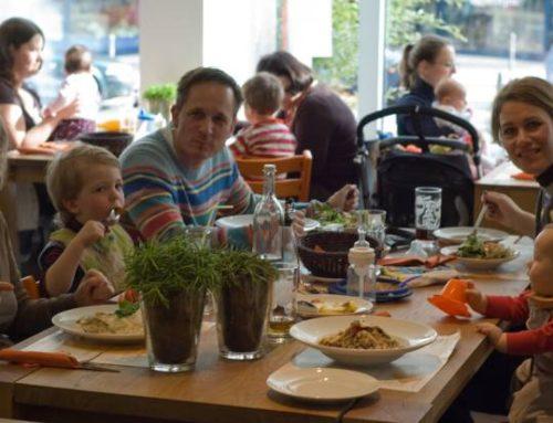 10 Sfaturi pentru o Iesire Reusita la Restaurant cu Copii