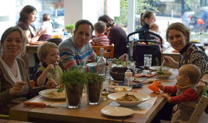 parinti-copii-restaurant